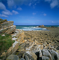 France, Brittany, near Morlaix: Rocky coastline at Pointe de Primel at Plougasnou Community