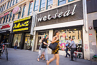 A Wet Seal store in New York on Thursday, September 4, 2014. The teen and pre-teen apparel retailer saw its stock tank 29 percent as the company canned its CEO amidst falling sales and large losses that were over expectations. Teen apparel sales have not done well as youths with disposable income eschew clothing for tech gadgets. (© Richard B. Levine)