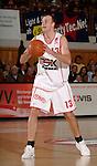 Basketball, BBL 2003/2004 , 1.Bundesliga Herren, Wuerzburg (Germany) X-Rays TSK Wuerzburg - GHP Bamberg (62:84) Ivo Kresta (Wuerzburg) am Ball