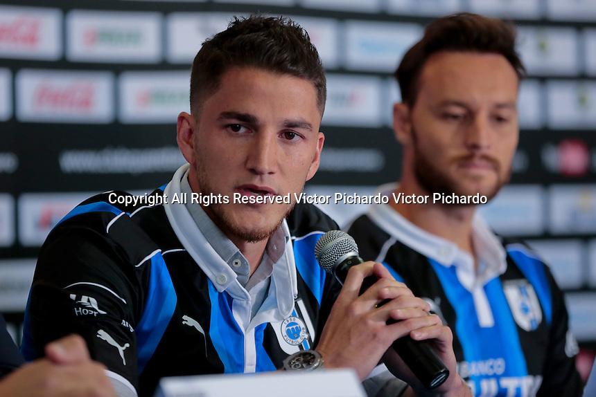 Querétaro, Qro. 19 de diciembre de 2016.- Los jugadores Hiram Mier y Gerardo Lugo fueron presentados como los nuevos refuerzos para el equipo Club Querétaro, Gallos Blancos en la temporada 2017.
