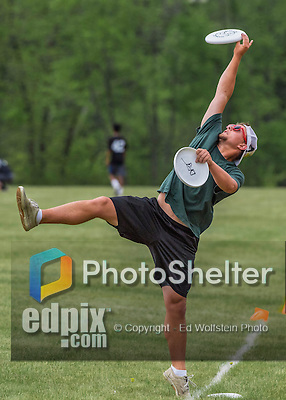 22 May 2016: The Vermont Commons School Flying Turtles are coached and practice at the Pioneer Valley Ultimate Disk Invitational Tournament at the Oxbow Marina Fields in Northampton, Massachusetts. Mandatory Credit: Ed Wolfstein Photo *** RAW (NEF) Image File Available ***