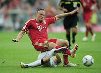 FUSSBALL   1. BUNDESLIGA  SAISON 2011/2012   1. Spieltag   07.08.2011 FC Bayern Muenchen - Borussia Moenchengladbach         Franck Ribery (oben, FC Bayern Muenchen) gegen Patrick Herrmann (Borussia Moenchengladbach)