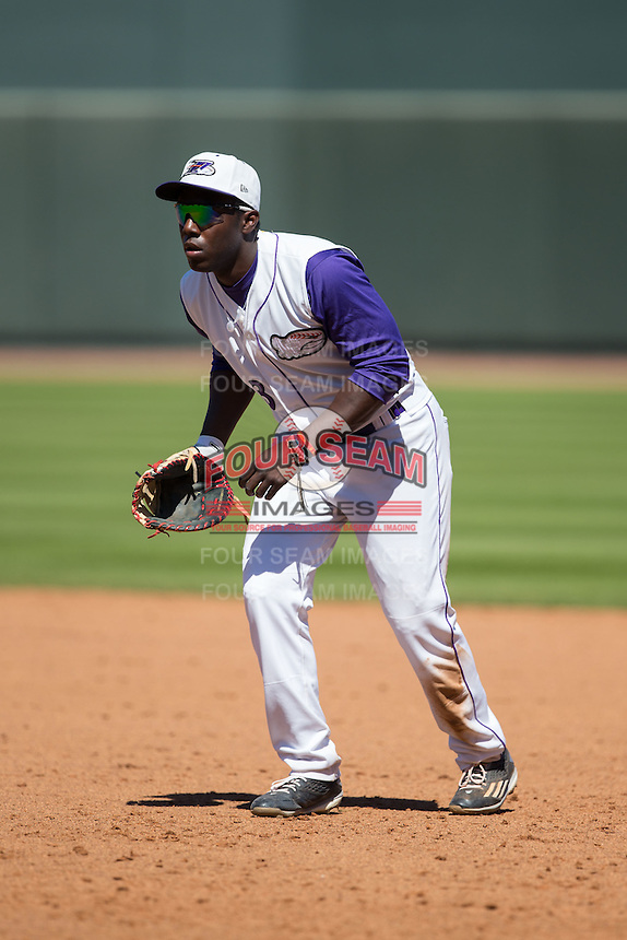 Winston-Salem Dash first baseman Marcus Davis (3) on defense against the Salem Red Sox at BB&T Ballpark on April 17, 2016 in Winston-Salem, North Carolina.  The Red Sox defeated the Dash 3-1.  (Brian Westerholt/Four Seam Images)