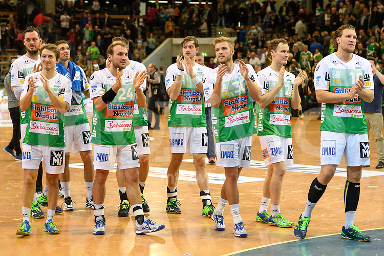 Schlussapplaus der Spieler von FrischAuf Goeppingen, v.l.n.r. vorne Marco Rentschler (FAG), Marcel Schiller (FAG), Jens Schoengarth (FAG), Lars Kaufmann (FAG)