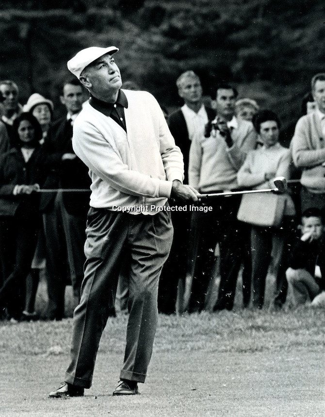 Ben Hogan pitching a short iron during the 1966 U.S. Open at the Olympic Club in S.F. (photo copyright Ron Riesterer 1966)