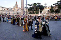 Roma 17 Febbraio 2015<br /> Carnevale Romano, in  Piazza del Popolo,  dedicato alla Regina Cristina di Svezia che soggiorno a Roma nel 1655,  con le atmosfere  della Roma barocca, con sbandieratori, tamburini e gruppi storici.<br /> Rome February 17, 2015<br /> Roman Carnival, in Piazza del Popolo, dedicated to Queen Christina of Sweden who stay in Rome in 1655, with the atmosphere of Baroque Rome, with flag-wavers, drummers and historical groups.
