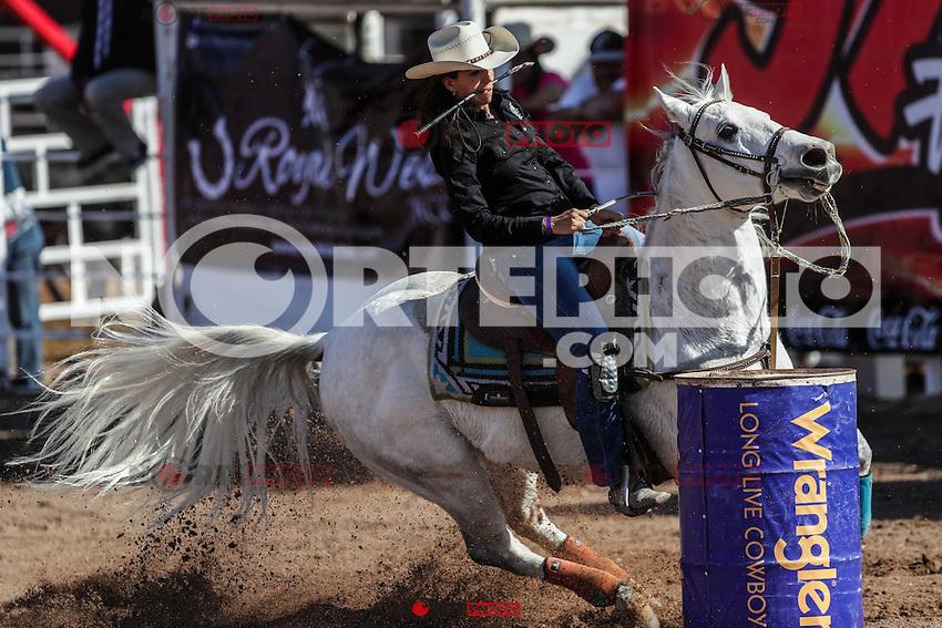 Barrilera, Diana Rosio Sanchez, durante el 3er. d&iacute;a de competencia del Campeonato Nacional de Rodeo. Area de Rodeo de la Expogan Sonora. *****<br /> &copy;Foto: LuisGutierrrez/NortePhoto