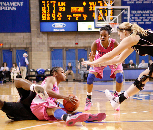 UK guard A'dia Mathies gets a loose ball during the second half of the UK Women's basketball game against Vanderbilt on 2/20/12 at Memorial Coliseum in Lexington, Ky. Photo by Quianna Lige | Staff