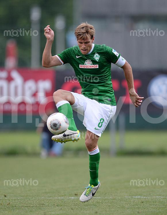 FUSSBALL  1. Bundesliga   2013/2014   Testspiel in Zell am Ziller SV Werder Bremen - 1860 Muenchen      10.07.2013 Clemens Fritz (SV Werder Bremen) am Ball