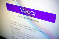 A screen on the Yahoo! web page informs users of a data breach and the need to change their passwords, seen on Friday, September 23, 2016. Yahoo announced that at least 500 million users have had their account information stolen by hackers two years ago. (© Richard B. Levine)