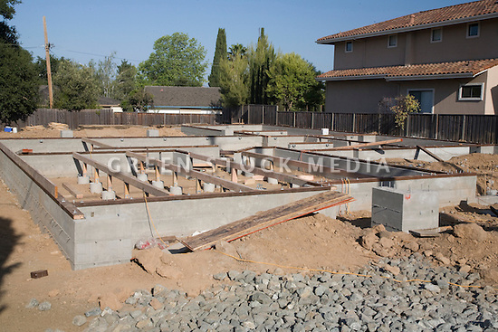 House construction foundation for house construction for Building home foundation