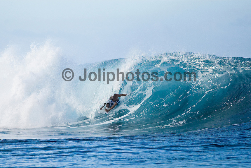 TIAGO PIRES (PRT) surfing at Teahupoo, Tahiti, (Thursday May 7 2009.) Photo: joliphotos.com