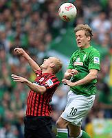 FUSSBALL   1. BUNDESLIGA   SAISON 2012/2013    33. SPIELTAG SV Werder Bremen - Eintracht Frankfurt                   11.05.2013 Felix Kroos (re, SV Werder Bremen) gegen Sebastian Rode (li, Eintracht Frankfurt)