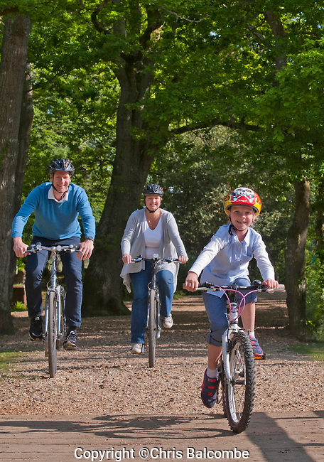 Family cycling in the New Forest <br /> <br /> Pic: Chris Balcombe