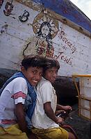 Amérique/Amérique du Sud/Pérou/Env de Chiclayo/Pimentel : Enfants de pêcheurs