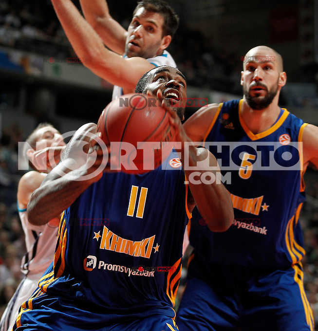 Real Madrid's Jaycee Carroll (l) and Felipe Reyes (b) and BC Khimki MR's Kelvin Rivers (f) and James Augustine during Euroleague 2012/2013 match.November 23,2012. (ALTERPHOTOS/Acero) /NortePhoto