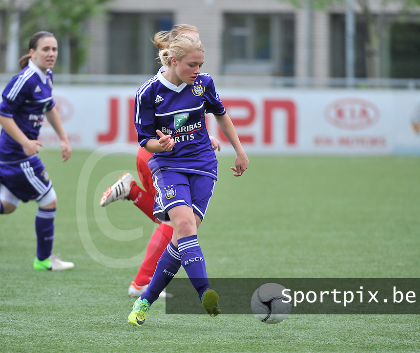 AA Gent Ladies U16 - RSC Anderlecht : Mathilde Quievy.foto DAVID CATRY / Nikonpro.be