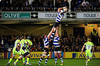 Dave Attwood of Bath Rugby wins the ball at a lineout. Aviva Premiership match, between Bath Rugby and Sale Sharks on October 7, 2016 at the Recreation Ground in Bath, England. Photo by: Patrick Khachfe / Onside Images