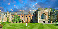 The Bishops Palace of the the medieval Wells Cathedral built in the Early English Gothic style in 1175, Wells Somerset, England