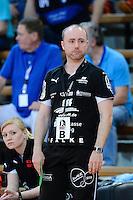 Trainer Stefan Madsen (HCL) nachdenklich
