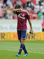 FUSSBALL   1. BUNDESLIGA  SAISON 2011/2012   1. Spieltag     06.08.2011 VfB Stuttgart - FC Schalke 04               Raul (FC Schalke 04) enttaeuscht