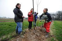 ALGEMEEN: SINT NICOLAASGA: 23-01-2014, Boomplanten, Bob Jongejans, Cisca Mars<br /> Dania ten Hoopen, Nynke Zijlstra, &copy;foto Martin de Jong