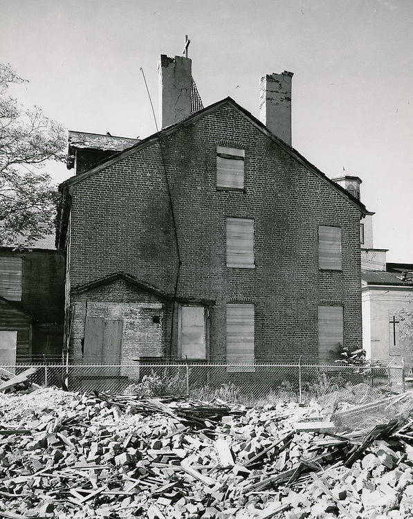 1961 October 05..Historical.Downtown North (R-8)...Hannon House c.1794.Rear View.Daddy Grace Church in right hand corner..PHOTO CRAFTSMEN INC..NEG# 47-886.NRHA# 953-B..