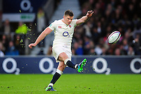 Owen Farrell of England kicks for the posts. Old Mutual Wealth Series International match between England and South Africa on November 12, 2016 at Twickenham Stadium in London, England. Photo by: Patrick Khachfe / Onside Images