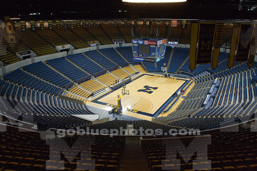 12/6/08 Men's basketball vs. Duke at Crisler Arena.  Michigan beat the Blue Devils 81-73.  Time lapse remote camera.
