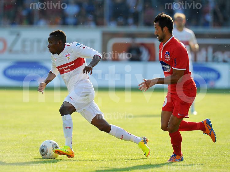 FUSSBALL  1. Bundesliga   2013/2014   Testspiel   FC Heidenheim - VfB Stuttgart   13.07.2013 Ibrahima Traore (li, VfB Stuttgart)  gegen Alpen Bagceci FC Heidenheim)