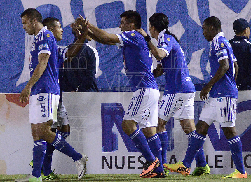 TUNJA -COLOMBIA, 07-09-2013. Aspecto del encuentro entre Boyacá Chicó y Millonarios en la fecha 5 Liga Postobón II 2013 realizado en el estadio La Independencia en Tunja./ Aspect of match between Boyaca Chico and Millonarios during 5th date of Postobon  League 2013-1 at La Independencia stadium in Tunja. Photo: VizzorImage/Gabriel Aponte/STR