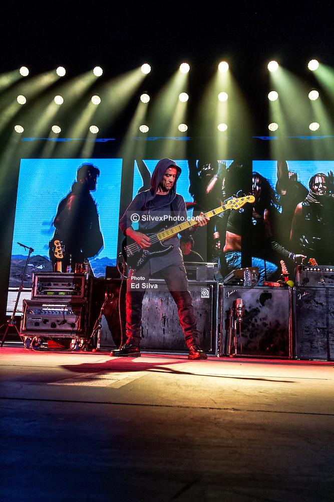 IMAGE: http://cdn.c.photoshelter.com/img-get/I0000J7AzomGU74w/s/1000/I0000J7AzomGU74w.jpg