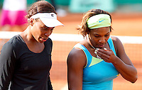 Serena & Venus Williams (USA) against Agnieska Radwanska (POL)  & Maria Kirilenko (RUS)  in the quaterfinals of the women's doubles. Williams & Williams beat Radwanska & Kirilenko 6-2 6-3..Tennis - French Open - Day 9 - Mon 31 May 2010 - Roland Garros - Paris - France..© FREY - AMN Images, 1st Floor, Barry House, 20-22 Worple Road, London. SW19 4DH - Tel: +44 (0) 208 947 0117 - contact@advantagemedianet.com - www.photoshelter.com/c/amnimages