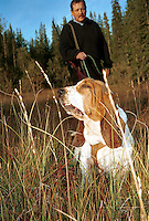 Jørn Møllenhus, Selbu, og Philip, Basset Hound Basset hound, educated to find game that is hurt. Godkjent ettersøkshund.