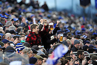 Bath supporters in the crowd celebrate a penalty. European Rugby Champions Cup match, between Bath Rugby and RC Toulon on January 23, 2016 at the Recreation Ground in Bath, England. Photo by: Patrick Khachfe / Onside Images