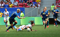 Brasilia, Brazil - Friday, August 12, 2016: The USWNT and Sweden are even 0-0 in second half action during Quarterfinal play during the 2016 Olympics at Mane Garrincha Stadium.