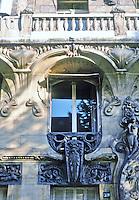 Jules Lavirotte: 29 Avenue Rapp, Paris 1901. Window detail.