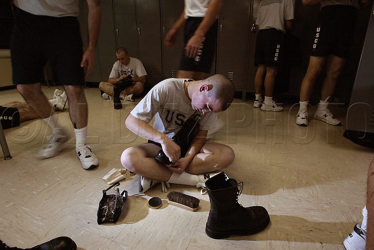 10/22/02--Al Diaz Photos--Boot Camp at The United States Coast Guard Training Center Cape May, NJ, on Tuesday.