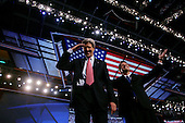Boston, Mass..USA.July 29, 2004..The final night of the Democratic National Convenvention. Senator John Kerry and Senator John Edwards, the Presidentual and Vice Presidentual nomaniee for democtratic ticket, wave to the crowd.