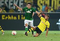 FUSSBALL   1. BUNDESLIGA   SAISON 2012/2013   1. SPIELTAG Borussia Dortmund - SV Werder Bremen                  24.08.2012      Zlatko Junuzovic (li, SV Werder Bremen) gegen Moritz Leitner (re, Borussia Dortmund)