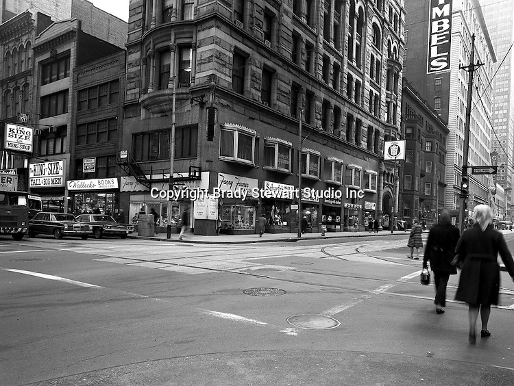 Pittsburgh PA: View of the corner of Sixth Avenue and Wood Street - 1970