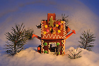 The hunters house Pepperkakehus, Gingerbread house Home decor, Home decor,   Trond Are Berge