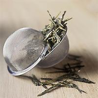 Gastronomie g&eacute;n&eacute;rale: Th&eacute; vert  // Gastronomy: Gree tea<br /> - Stylisme : Val&eacute;rie LHOMME