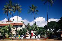 Honolulu, Oahu, Hawaii, HI, USA - Snowman Family Christmas Figures and Decorations at Honolulu Hale (City Hall)