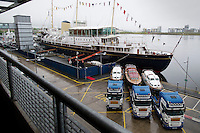 Royal Boat Sets Off For Jubilie Celebration