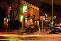 Nighttime view of Guero's Taco Bar, an Austin, Texas tradition and staple of South Congress Avenue - Stock Image.