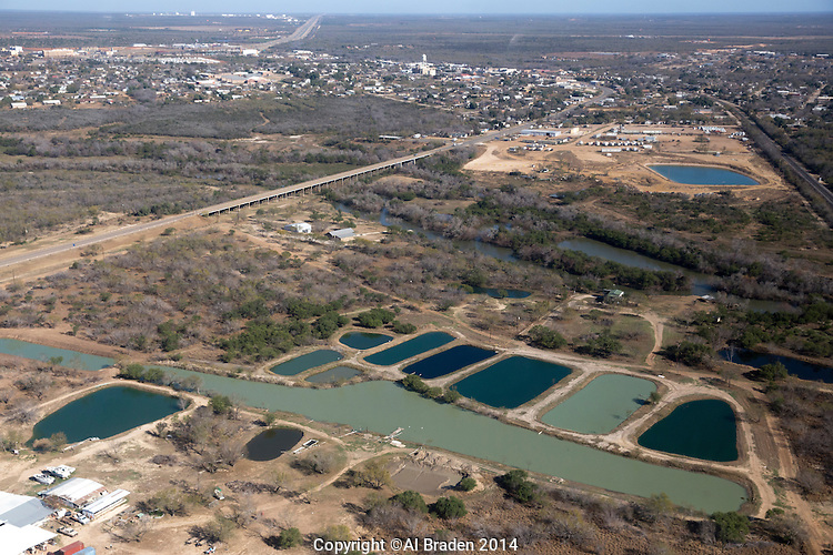 Cotulla fish hatchery cotulla tx al braden for Alabama fish hatcheries