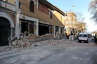 Roma 10 Aprile 2009.L'Aquila Abruzzo.Edifici danneggiati dalle scossa di terremoto .Buildings damaged by earthquake.