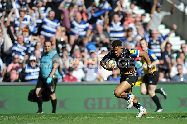 Anthony Watson of Bath Rugby dives for the try-line. The Clash, Aviva Premiership match, between Bath Rugby and Leicester Tigers on April 8, 2017 at Twickenham Stadium in London, England. Photo by: Rob Munro / Onside Images