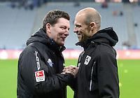 Fussball 2. Bundesliga:  Saison   2012/2013,    16. Spieltag  TSV 1860 Muenchen - SC Paderborn  27.11.2012 Trainer Stephan Schmidt (li, SC Paderborn 07) mit Trainer Alexander Schmidt (1860 Muenchen)